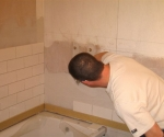 005-bathroom-using-white-brickbond