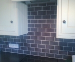 012-kitchen-black-brickbond-white-grout