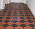 024-hallway-black-red-diamond-quarry-tiles